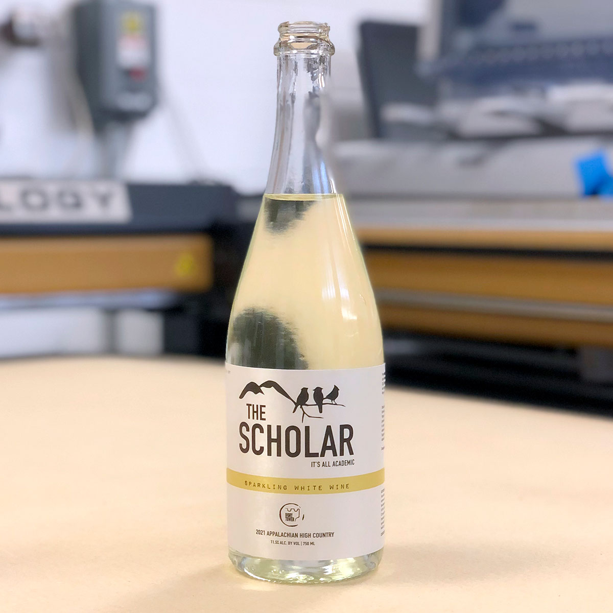 The Scholar: Sparkling White Wine product label